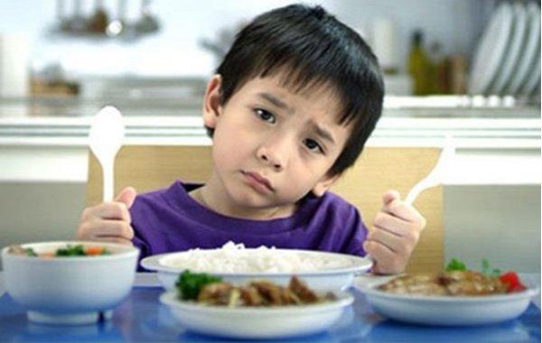 Vì sao trẻ lười ăn mãn tính?